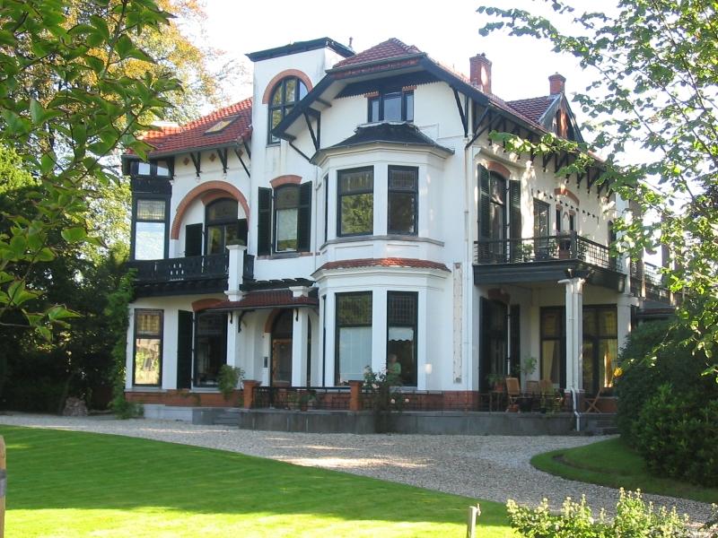 Tindal villa, Nieuwe 's-Gravelandseweg 21, Bussum