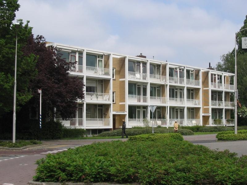 Amstelveen, Keizer Karelweg