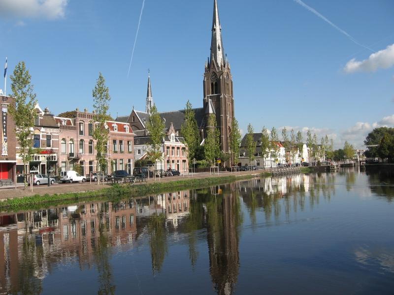 Weesp, Smal Weesp met Laurentiuskerk